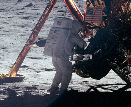 1aaArmstrong_on_Moon_(As11-40-5886)_(cropped)